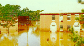 COMMERCIAL FLOOD WATER DAMAGE RESTORATION SERVICE